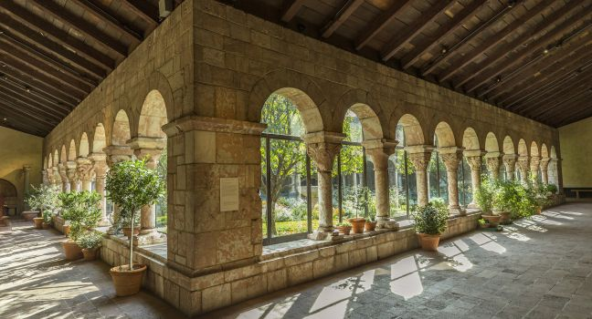 Riveted - the-cloisters-museum-and-gardens-upper-west-side-new-york-city-new-york-usa_main